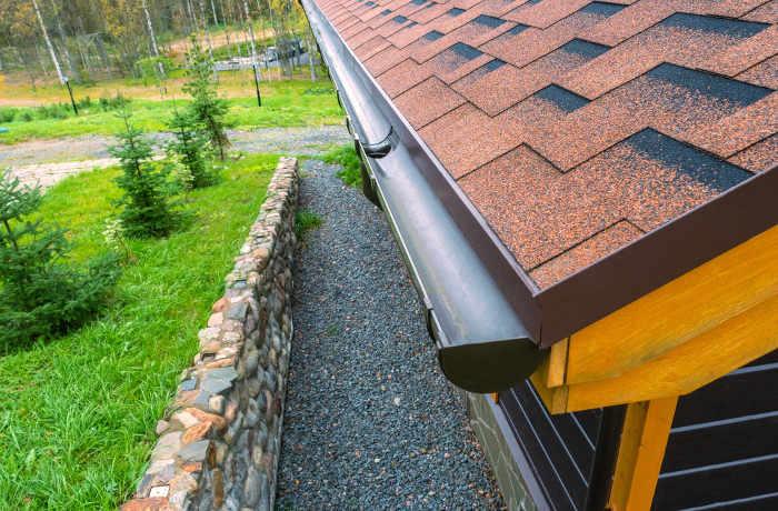 Canaletas pluviales circulares para una casa clásica o moderna