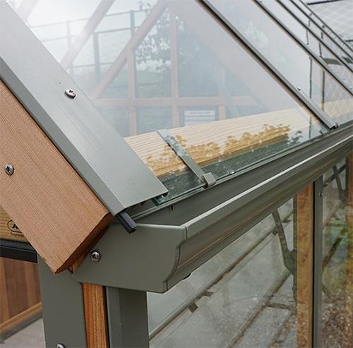Canaletas en techos de cristal
